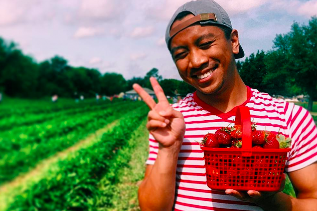 This Strawberry Farm Just Outside Dallas Is Now Open For The Season